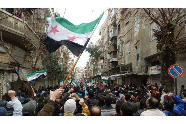 Manifestations antigouvernementales dans les rues de Bab Saaba, près de Homs, le 30 décembre dernier.