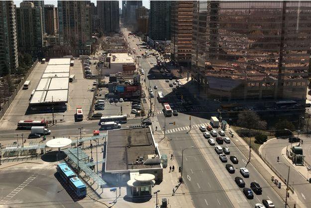 L'angle de la rue Yong et de l'avenue Finch.