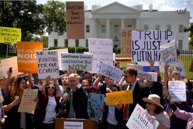 Une manifestation anti-Trump devant la Maison Blanche.