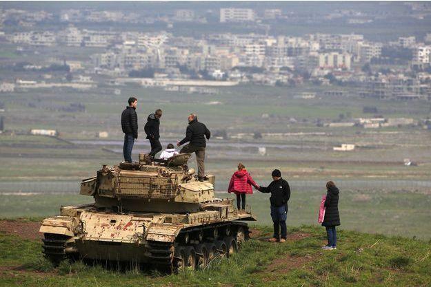 Un vieux tank israélien sur le plateau du Golan, samedi, près de la frontière avec la Syrie.