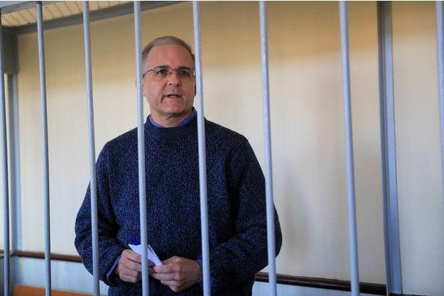 Un Américain accusé d'espionnage en Russie affirme avoir été blessé en prison