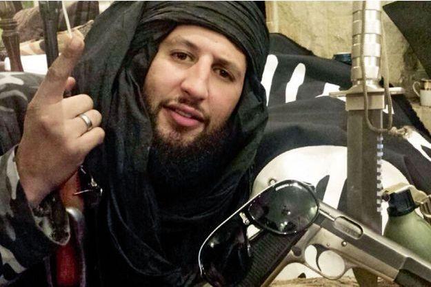 Interviewé le 23 mars par Paris Match, le Français Abou Shaheed décrit les morts sur la vidéo comme des ennemis tués au combat.