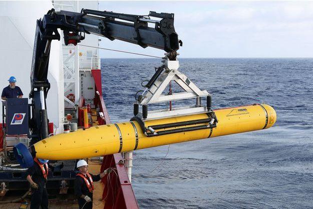 Le Bluefin 21 est installé à bord de l'Ocean Shield.