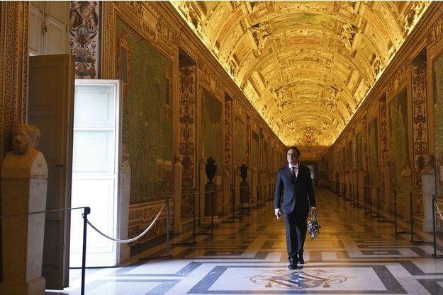 Gianni Crea, 47 ans, dans la galerie des Cartes géographiques : 40 fresques du XVIe siècle représentant toutes les régions d'Italie.