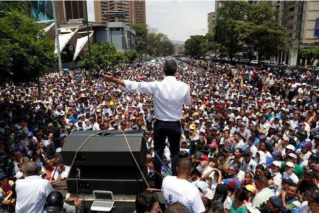 Juan Guaido lors de son meeting à Caracas le 1er mai.