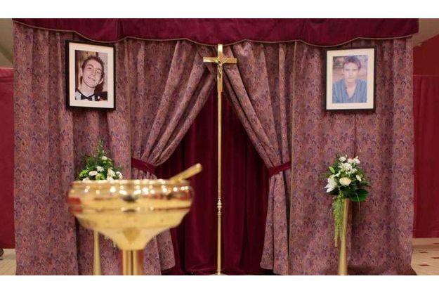 Une chapelle ardente, abritant leurs cercueils, est ouverte de 10 heures à 19 heures ce samedi et dimanche.