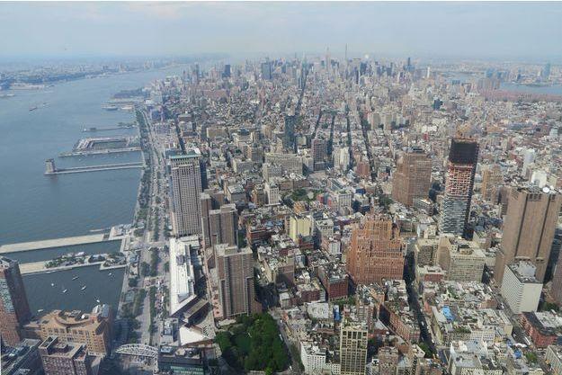 L'observatoire du One World Trade Center offre une vue inédite sur Manhattan.