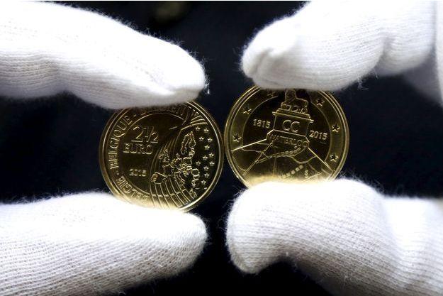 La pièce commémorative de la bataille de Waterloo d'une valeur faciale de 2,5 euros...