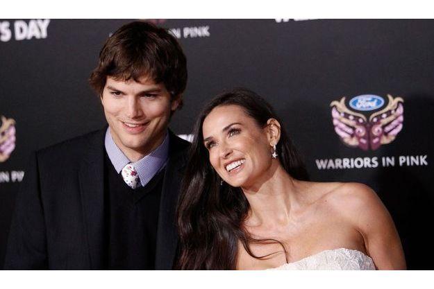 Demi Moore a révélé que son histoire d'amour avec Aston Kutcher avait commencé avec des textos.