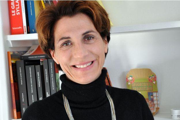 """Bénédicte Durand, doyenne du collège universitaire de Sciences Po, est membre du conseil scientifique du projet """"Le Poids des mots""""."""