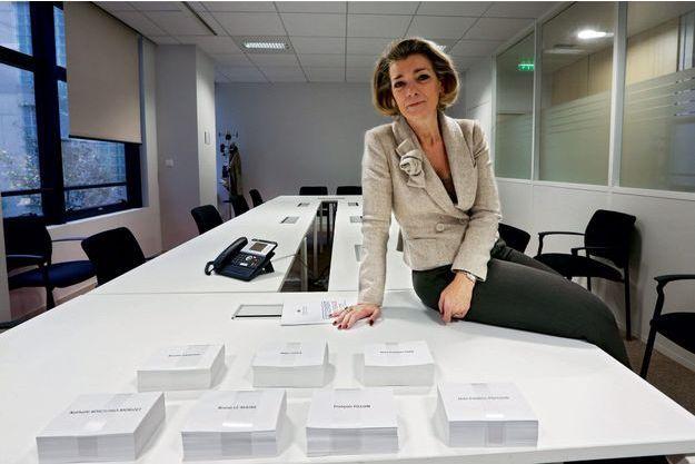 Anne Levade dans les bureaux de la Haute autorité à Paris, rue Brancion dans le XVème arrondissement.