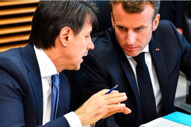 Giuseppe Conte, le président du conseil italien, avec Emmanuel Macron à Bruxelles le 24 juin.