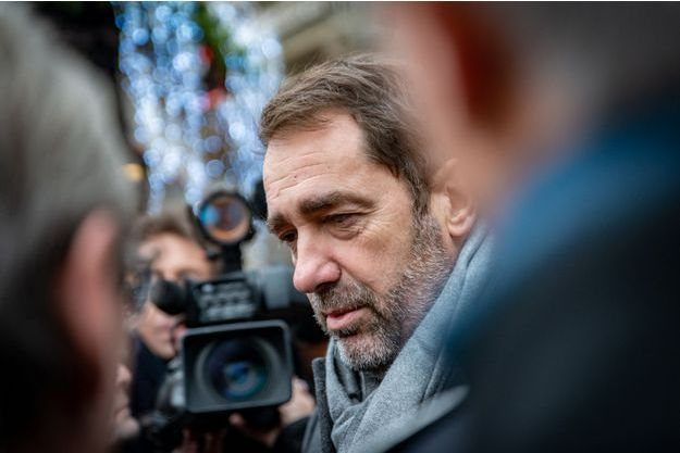 Christophe Castaner, vendredi au marché de Noel de Strasbourg.
