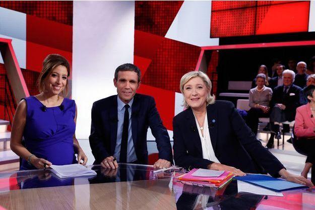 """Lea Salamé et David Pujadas ont reçu jeudi soir Marine Le Pen dans """"L'émission politique""""."""