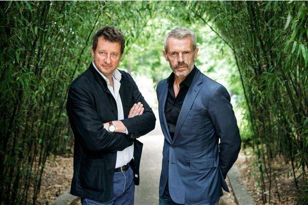 Yannick Jadot et Lambert Wilson, samedi 2 juin, à la Coulée verte, à Paris.