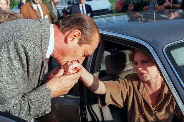 Jacques Chirac et Brigitte Bardot, le 7 octobre 1990 à Vincennes.