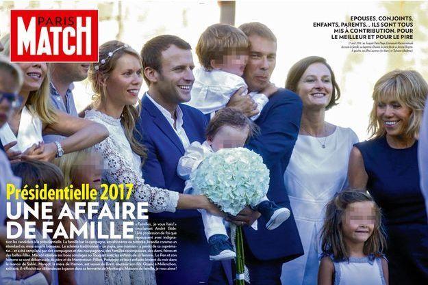 27 août 2016: au Touquet Paris-Plage, Emmanuel Macron entouré de toute la famille, au baptême d'Aurèle, le petit-fils de sa femme Brigitte