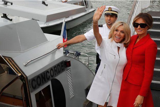 Le 13 juillet : débarquement après une heure de croisière sur la Seine.