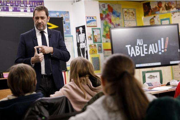 """Christophe Castaner dans l'émission """"Au tableau!"""", diffusée mercredi 20 février sur C8."""