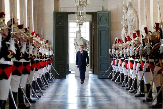 Emmanuel Macron arrive au château de Versailles, lundi, avant son discours devant le Congrès.