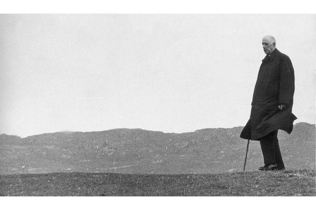 L'Irlande après le départ. Au président Eamon de Valera, de Gaulle dira : «J'ai trouvé ici ce que je cherchais : être en face de moi-même.»
