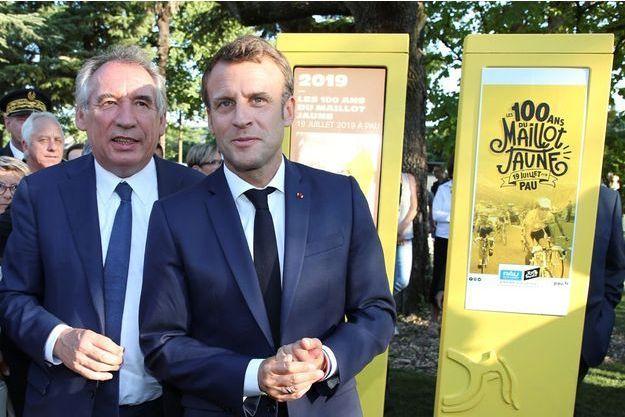 Emmanuel Macron aux côtés de François Bayrou vendredi 19 juillet à Pau.