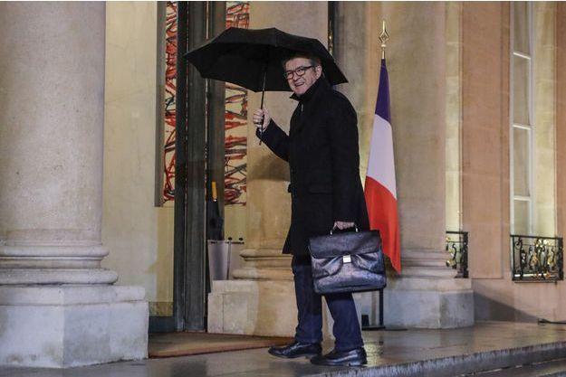 Jean-Luc Mélenchon a été reçu dans la soirée par Emmanuel Macron.