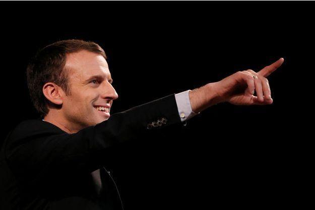 Emmanuel Macron compte parmi les fans de Johnny.