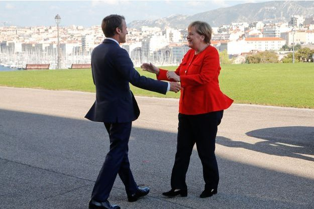 Emmanuel Macron et Angela Merkel vendredi au Pharo.