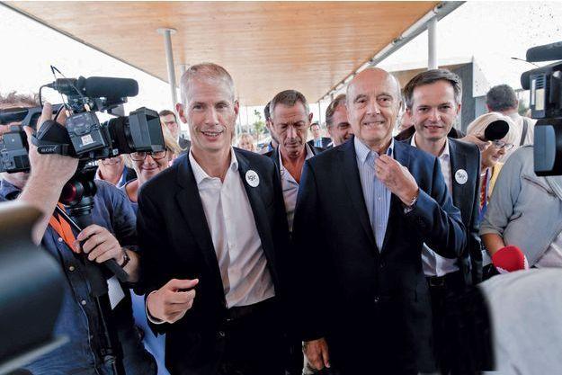 Franck Riester (à g.) et Pierre-Yves Bournazel derrière Alain Juppé.