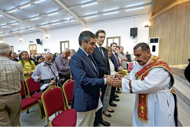 François Fillon lors d'une messe dominicale en l'église Mart-Chmouny, à Erbil, dans le Kurdistan irakien, en juin 2016.