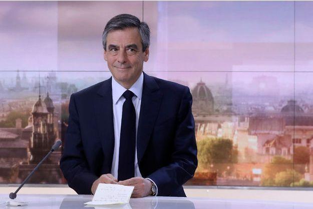 François Fillon sur le plateau du JT de France 2 dimanche soir.