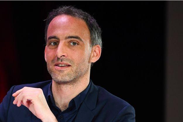 Raphaël Glucksmann à Paris le 11 avril.