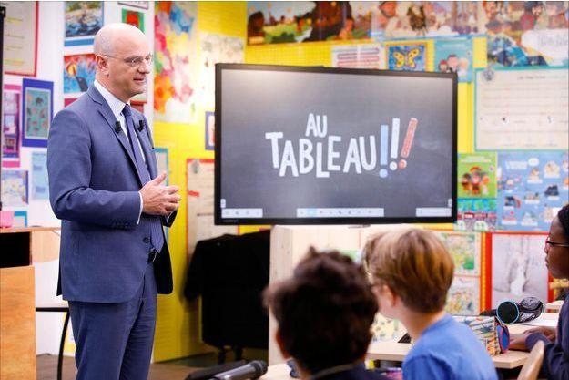 """Jean-Michel Blanquer, dans l'émission """"Au tableau!""""."""