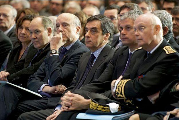 De g. à droite : Alain Juppé, François Fillon, Laurent Wauquiez et Patrick Stefanini alors préfet d'Aquitaine.