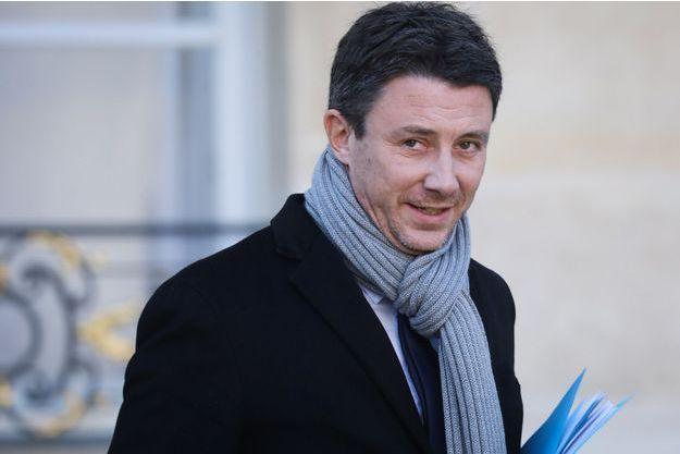 """Benjamin Griveaux juge """"très incongrue"""" la demande de régularisation de Vinci aux automobilistes"""