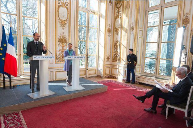 Le Premier ministre Edouard Philippe, la ministre des Transports Elisabeth Borne et le patron de la SNCF, Guillaume Pepy.