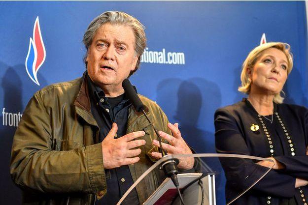 Steve Bannon et Marine Le Pen en mars 2018 à Lille