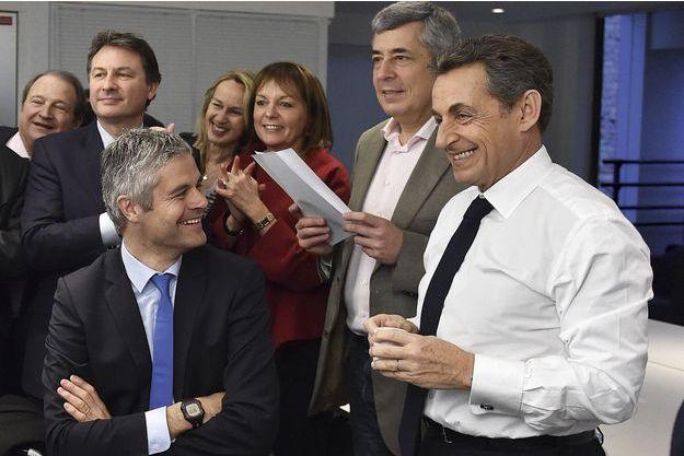 Alors que la gauche perd la moitié de ses départements, Nicolas Sarkozy a réussi son retour.