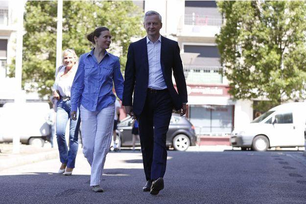 Bruno Le Maire et son épouse Pauline, dimanche à Evreux.