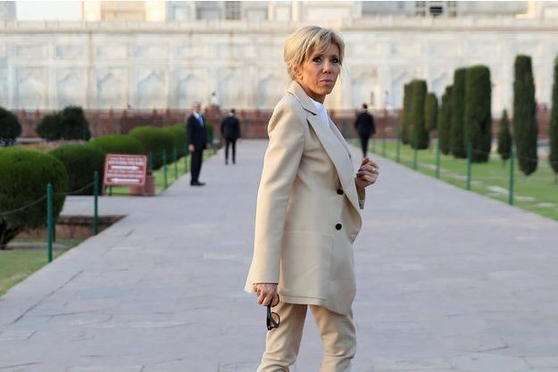 Brigitte Macron ici au Taj Mahal (Inde) le 11 mars.