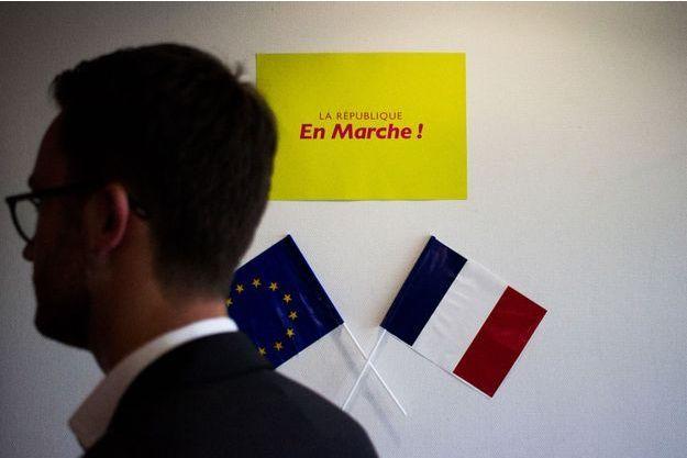 """La République en marche affiche ses distances avec le mouvement des """"foulards rouges""""."""