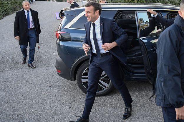 Emmanuel Macron, ici à Sainte-Croix-du-Verdon, jeudi.