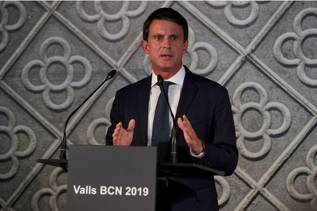 Manuel Valls au Centre de culture contemporaine de Barcelone, mardi.