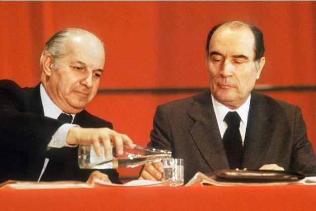 Claude Estier et François Mitterrand en avril 1979.