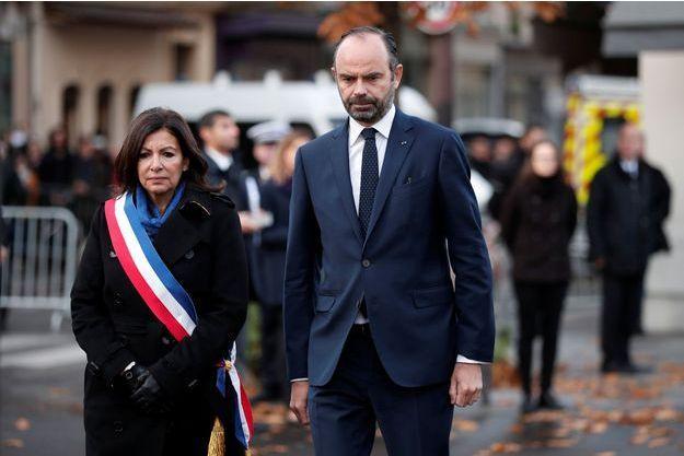 Anne Hidalgo et Edouard Philippe ici mardi à Paris lors des commémorations des attentats du 13 novembre 2015.