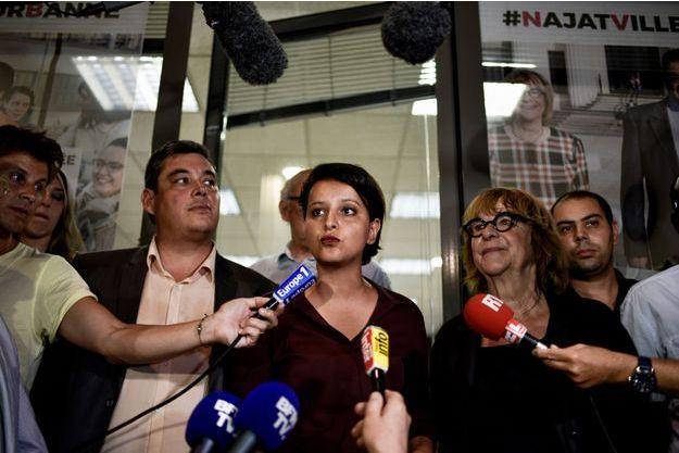 Najat Vallaud-Belkacem , dimanche soir devant le siège du PS à Villeurbanne.