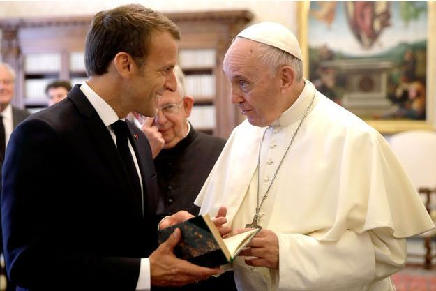 Emmanuel Macron et le pape François, au Vatican, en juin 2018.