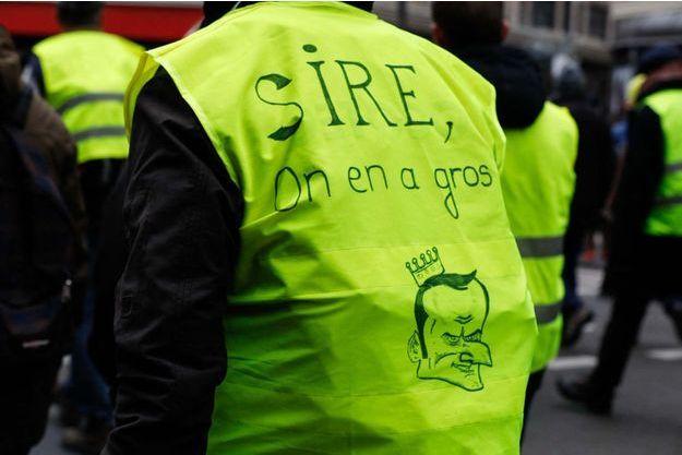 Les slogans anti-Macron fleurissent dans les manifestations.