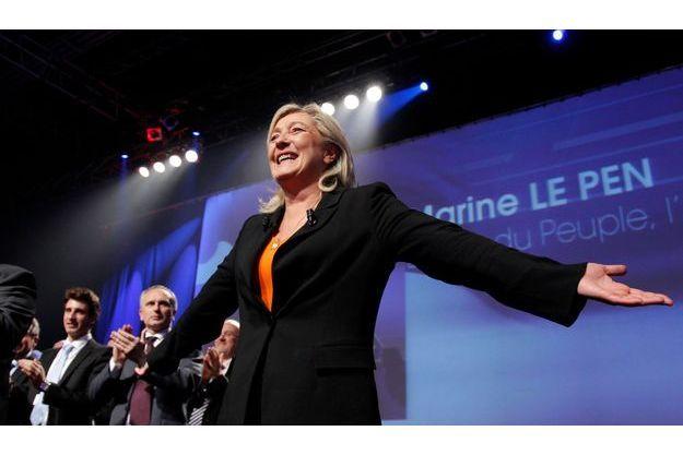 Marine Le Pen gagne un point dans la dernière vague de l'enquête en continu Ifop/Fiducial/Paris Match sur les intentions de vote.